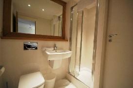 2011 Biolay 2 shower room.jpg